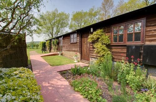 Last Minute Cottages - Quaint Tenterden Rental S10584