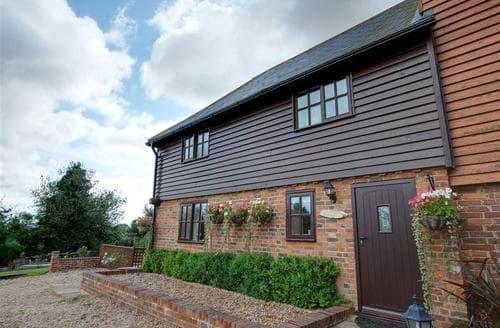 Last Minute Cottages - Beech Barn Studio