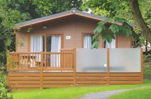 Last Minute Cottages - 4 Bed Platinum Lodge Plus
