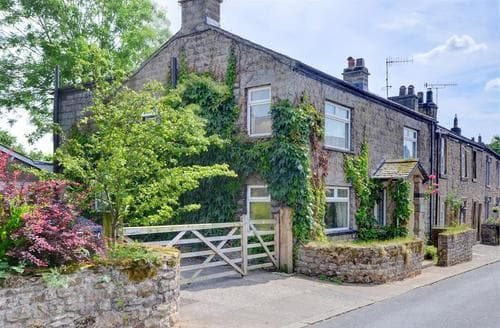 Last Minute Cottages - Charming Burton In Lonsdale       Near  Rental S10701