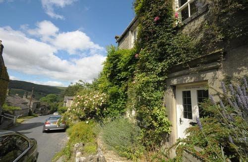 Last Minute Cottages - Hill Top Cottage