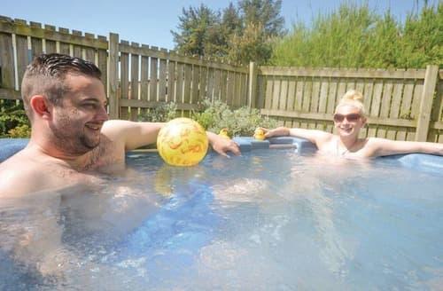 Last Minute Cottages - Windermere Chalet Plus Spa