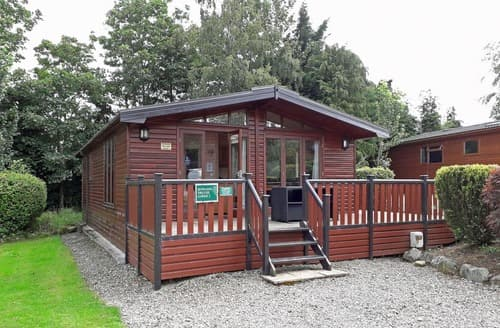 Last Minute Cottages - Rowans Deluxe Skyline Lodge
