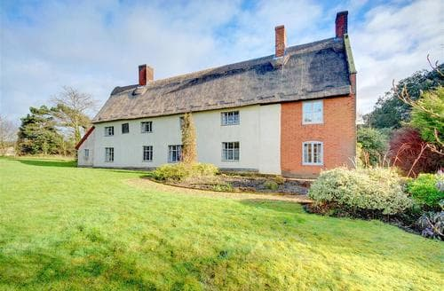 Last Minute Cottages - Old Guildhall