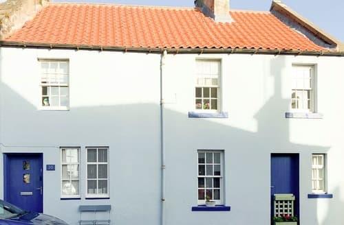 Last Minute Cottages - The Blue House