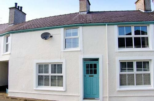 Last Minute Cottages - Anwylfa