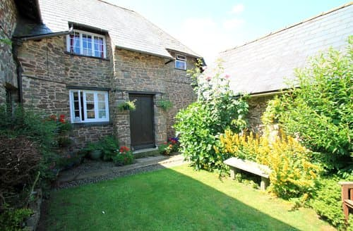 Last Minute Cottages - Church Farm, Stoke Pero