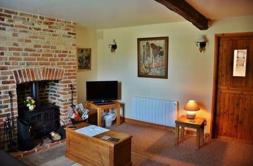 Last Minute Cottages - Latch Cottage