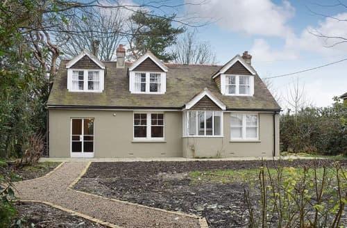 Last Minute Cottages - West End Farm