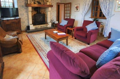 Last Minute Cottages - Villa des Hortensias