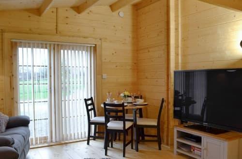 Last Minute Cottages - Dryslwyn Cabin