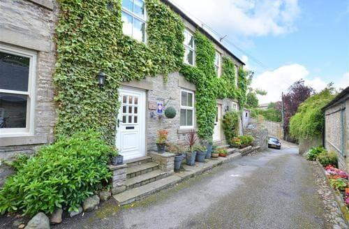 Last Minute Cottages - Beautiful Middleham Rental S13142