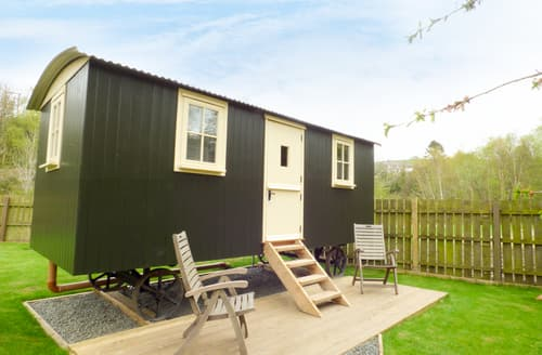 Last Minute Cottages - Joseph's Hide