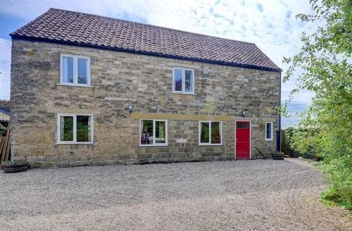 Last Minute Cottages - Standfield Hall Barn