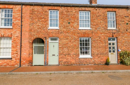 Last Minute Cottages - Buttercross House