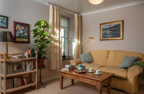 Last Minute Cottages - Lovely Hay On Wye Apartment S40265