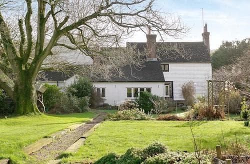 Last Minute Cottages - WOODSIDE FARM HOUSE