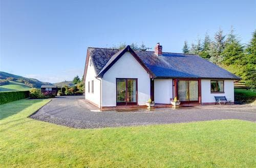 Last Minute Cottages - Drainbyrion Farm Bungalow