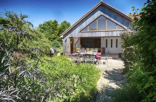 Last Minute Cottages - Umber Lodge