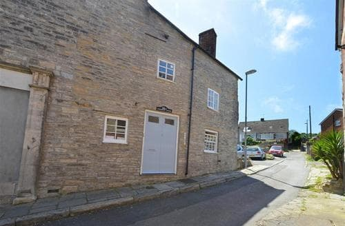 Last Minute Cottages - Captivating Swanage Apartment S11501