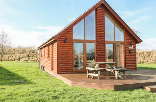 Last Minute Cottages - Birkdale Lodge
