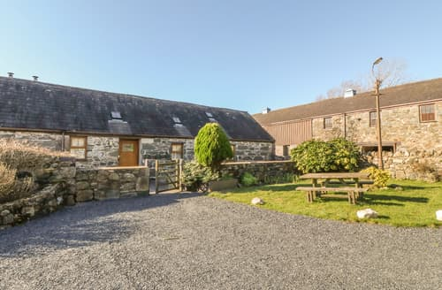Last Minute Cottages - Beudy Bach