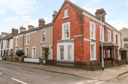 Last Minute Cottages - Pelham House