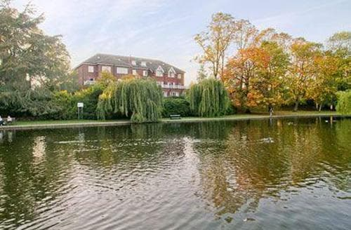 Last Minute Cottages - Luxury York Apartment S15597