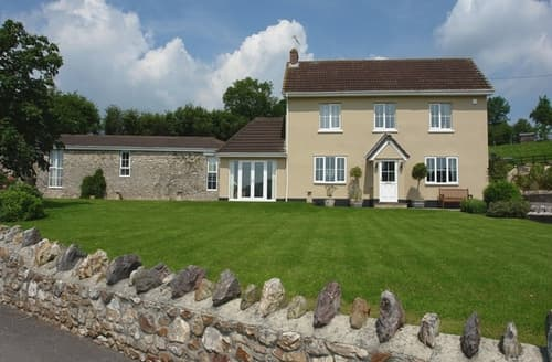 Last Minute Cottages - Lower Wadden Farmhouse and Annexe