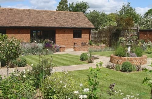 Last Minute Cottages - Luxury All Hertfordshire Cottage S15715