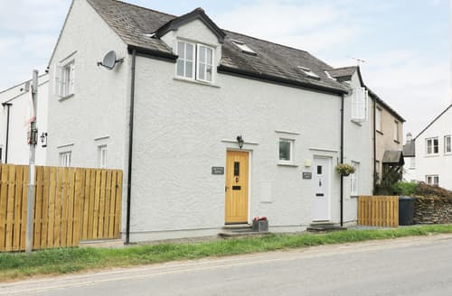 Last Minute Cottages - Betty's Mews