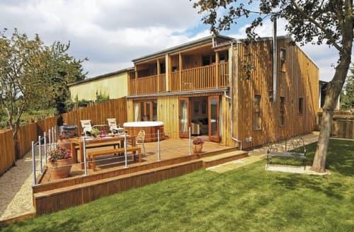 Last Minute Cottages - Mellow Farm Lodge