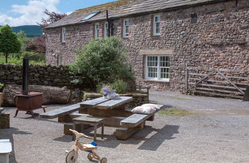 Last Minute Cottages - Nelson Barn
