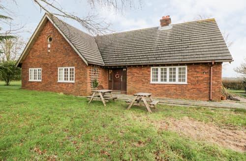 Last Minute Cottages - Oaktree Farm