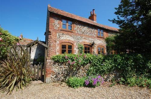 Last Minute Cottages - Delightful Binham Rental S11808