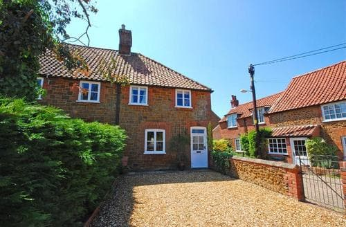 Last Minute Cottages - Attractive Heacham Rental S11995