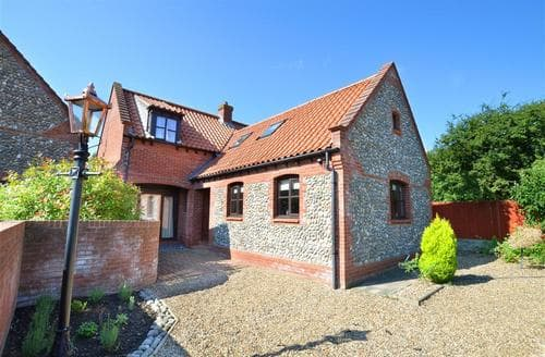Last Minute Cottages - Attractive Weybourne Rental S12023