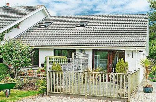 Dog Friendly Cottages - Inviting Padstow Apartment S20666