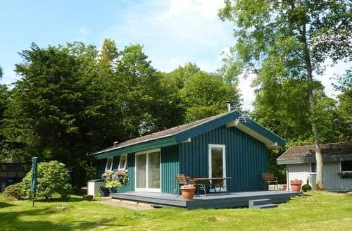 Last Minute Cottages - Meadow Lodge