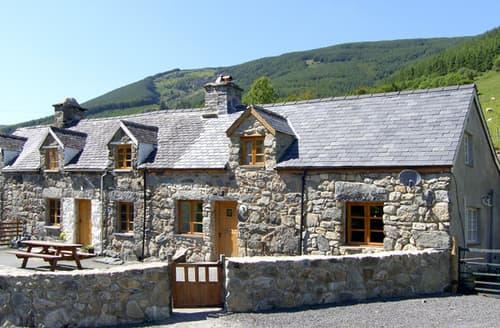 Last Minute Cottages - Ysgubor