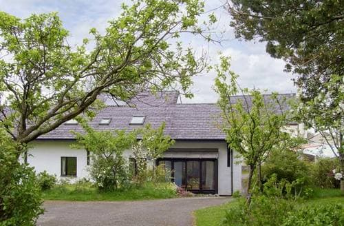 Last Minute Cottages - Fron Goed