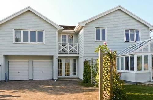 Last Minute Cottages - Chartfield