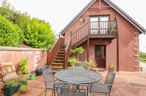 Last Minute Cottages - The Roofspace at Braeside