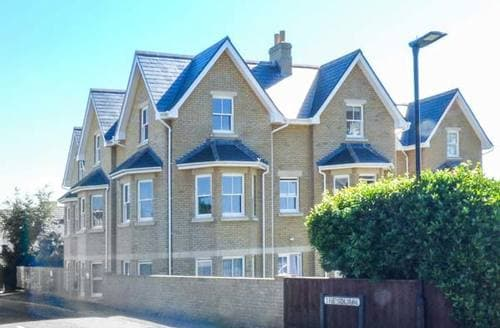 Last Minute Cottages - Flat 8 Hazelhurst
