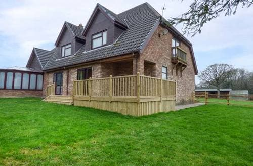 Last Minute Cottages - Cwm Gran Meadows