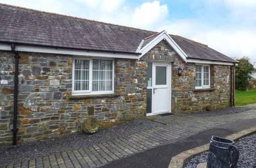 Last Minute Cottages - Ystabl