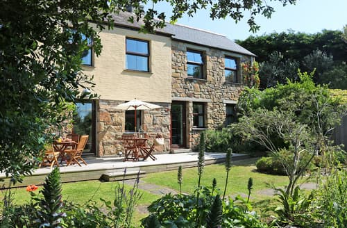 Last Minute Cottages - Little Hendra