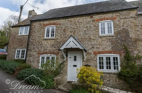 Last Minute Cottages - The Old Reading Room