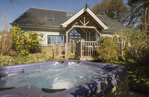 Last Minute Cottages - Court Lodge, Hillfield Village
