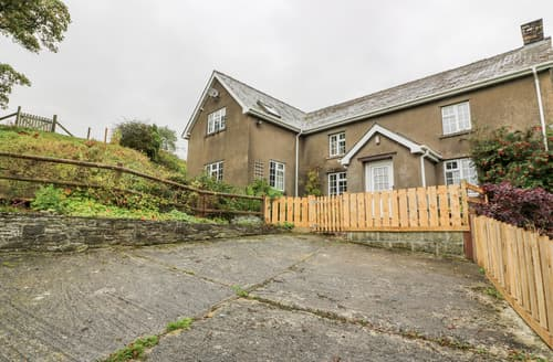 Last Minute Cottages - Llwyn